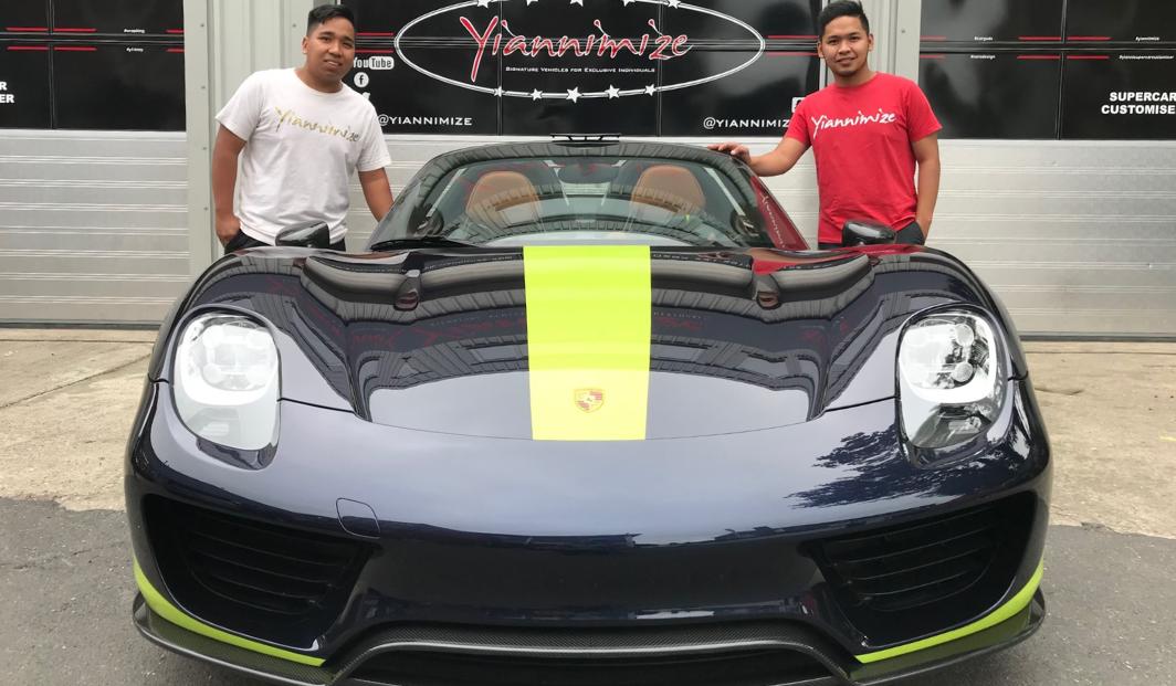 Yiannimize Car Wrap